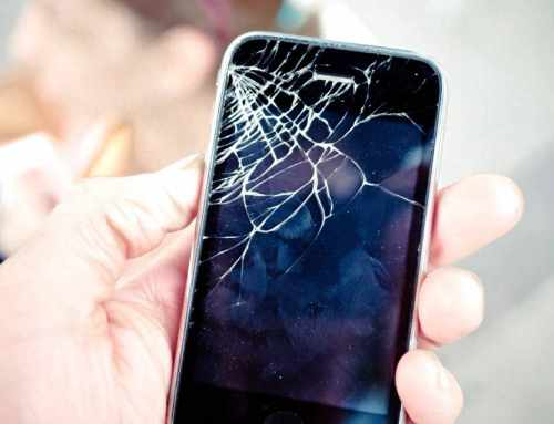 Why You Should Not Wait With Replacing Your Phone's Broken Screen